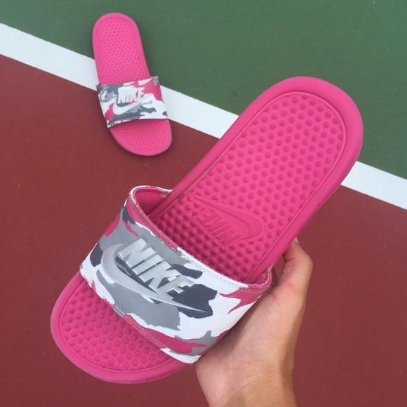 733c69564e71f6 🎈SALE🎈 Nike Camo Slides. M 5b4e65427ee9e22f8db4e17d